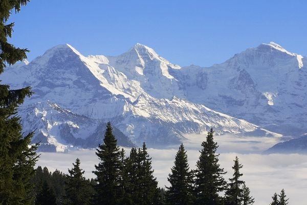 le massif de la Jungfrau en Suisse