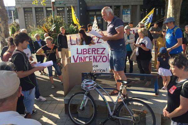 Rassemblement de soutien à Vincenzo Vecchi devant la mairie de Lorient - 19/08/2019