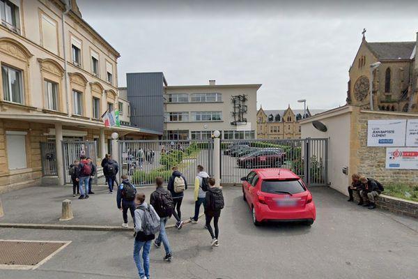 Le lycée professionnel de Sedan où se sont déroulées les agressions.