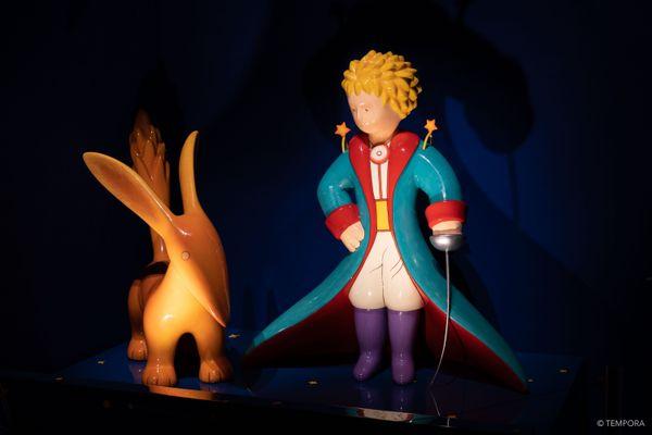 """Le """"petit prince"""", personnage et oeuvre emblématique d'Antoine de Saint-Exupéry, est omniprésent dans cette exposition à la Sucrière à lyon"""