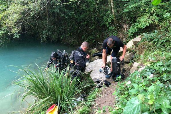 Les équipes en sauvetage dans les grottes