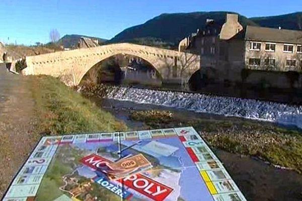 Mende - le Monopoly, version Lozère, est très tendance pour Noël - 2013.