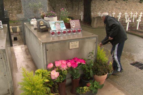 Lunel (Hérault) - les cimetières rouvrent après 6 semaines de fermeture - 2020.