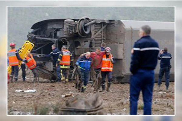 Patrick Rolland, aidé par des gendarmes, le jour du drame.