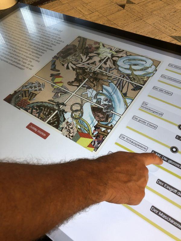 Les développeurs de K8 ont conçu avec l'artiste Yvan Guillo une interface qui permet de recomposer une oeuvre, à partir d'éléments fournis par l'illustrateur. Mais l'oeuvre conserve une forme d'aléatoire : il est impossible d'obtenir exactement deux fois la même image.