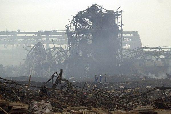 Les décombres de l'usine AZF, au lendemain de l'explosion.