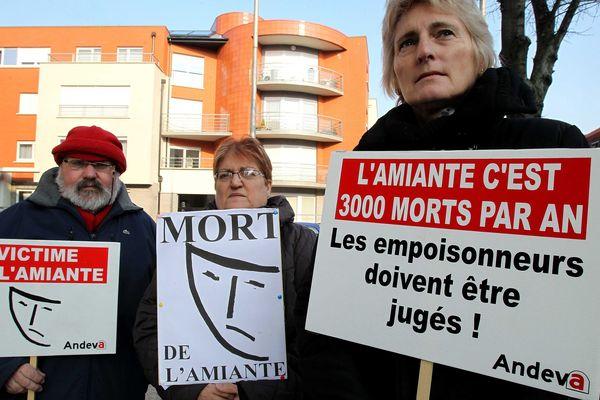 Mobilisation pour les victimes de l'amiante en 2013. (Illustration)