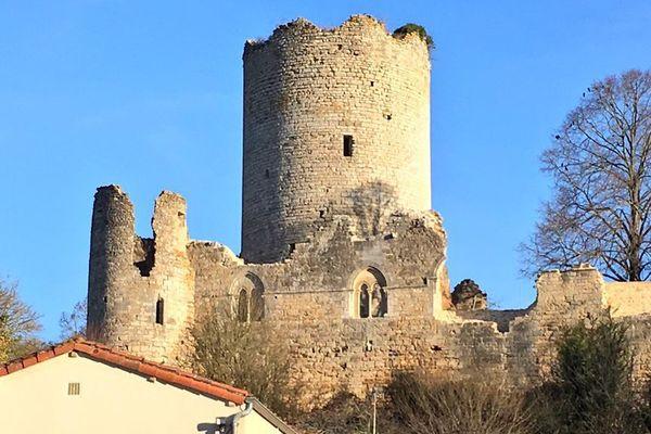 Montreuil-Bonnin fera partie de la commune nouvelle de Boivre-la-Vallée à partir du 1er janvier 2019.