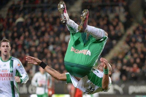 Aubamayang saute de joie pour fêter l'une des actions récompensées contre Rennes.