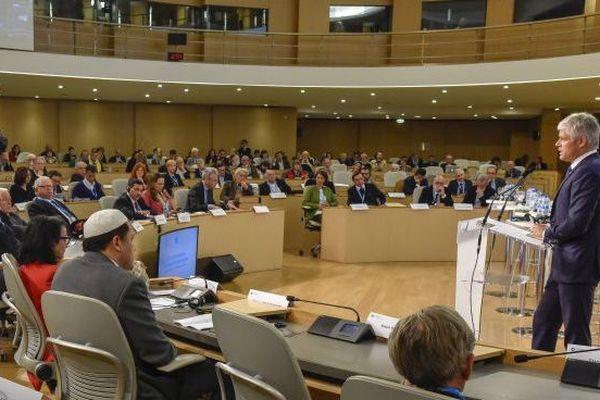 Une conférence régionale sur les Chrétiens d'orient se tient à Lyon sous la présidence de Laurent Wauquiez