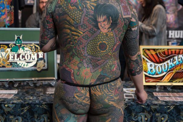 """Homme vu de dos"" au World Tattoo Convention en 2018"