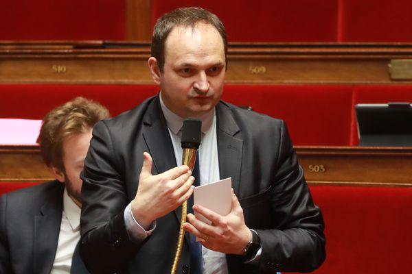 Le député de la Loire, Régis Juanico, dépose aujourd'hui, avec les socialistes Christian Hutin et Valérie Rabault, une proposition de loi pour demander la création d'un fonds d'indemnisation des victimes du Covid-19.
