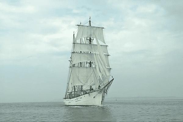 Les bateaux majestueux, rois de Temps Fête à Douarnenez