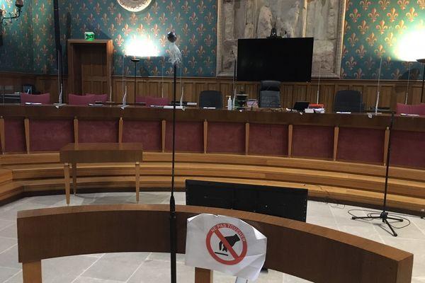 En cour d'Assises (photo d'illustration) comme devant toutes les autres cours, les magistrats rappellent qu'ils ne jugent pas sur l'émotion mais bien en fonction des lois et du respect de la présomption d'innocence.