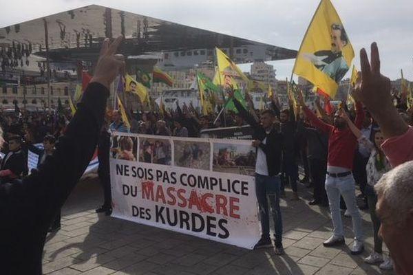 Rassemblement au Vieux-Port de la communauté turque à Marseille