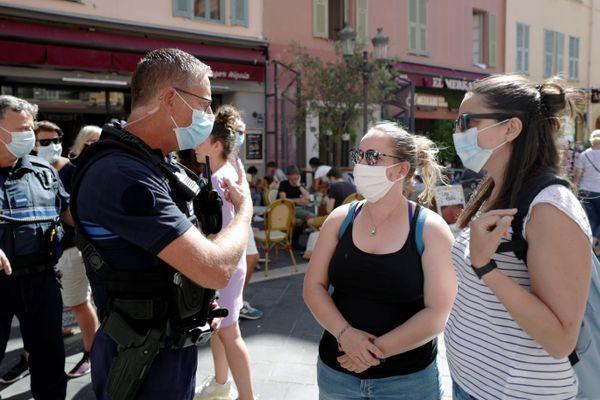 Port du masque obligatoire dans les Alpes-maritimes : la préfecture a travaillé avec les maires pour son extension. 8 communes concernées dont Nice.De