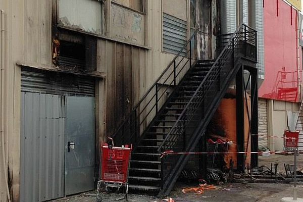 Pérols (Hérault) - le club de sport a été incendié volontairement - 17 février 2015