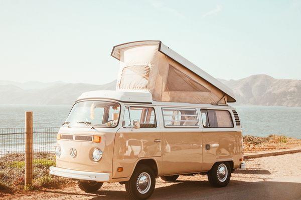 Qui n'a jamais rêvé de tout plaquer pour partir vivre à bord d'un van aménagé ? Nous en parlerons lundi avec Nicolas Dangles.