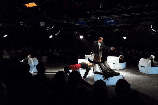 «Trust » de Falk Richter - Groupe Merci - Représentations novembre 2015 - au Multiple en partenariat avec le Théâtre Sorano-Toulouse