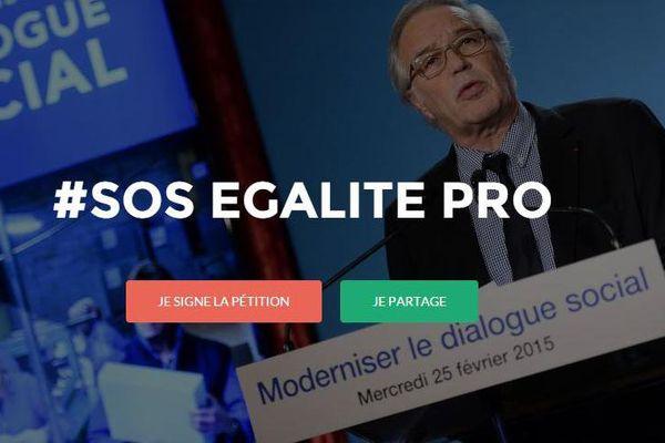 Une pétition et un site internet ont été lancés pour protester contre les reculs du projet de loi sur le dialogue social en matière d'égalité professionnelle.
