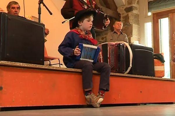 Gabin joue du Jean Ségurel à seulement 6 ans !