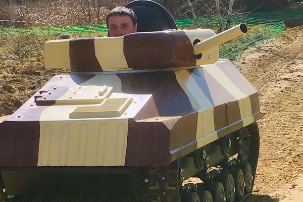 Pilotage de chars et batailles de lasers en Mayenne. Une première en France.