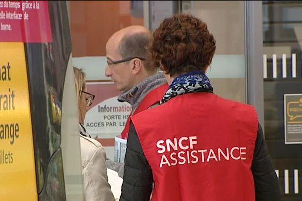 La grève à la SNCF se poursuit