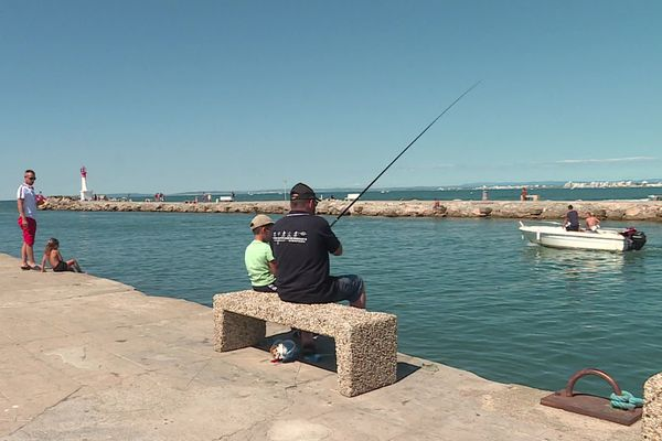 Pêcher sur le port du Grau-du-Roi entraîne des tensions avec les plaisanciers - 22 août 2020