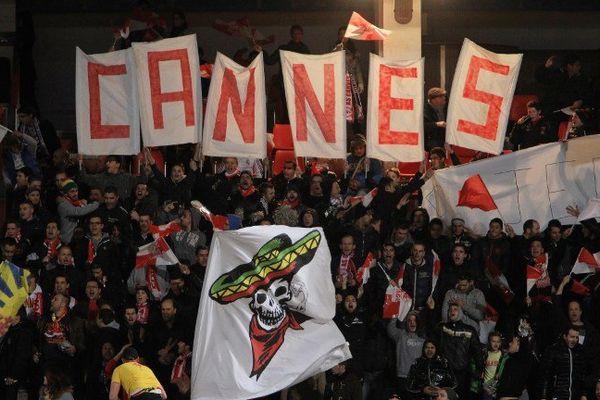Les supporters cannois ont fêté la victoire. Deux supporters de Montpellier écoquent de 6 mois de prison