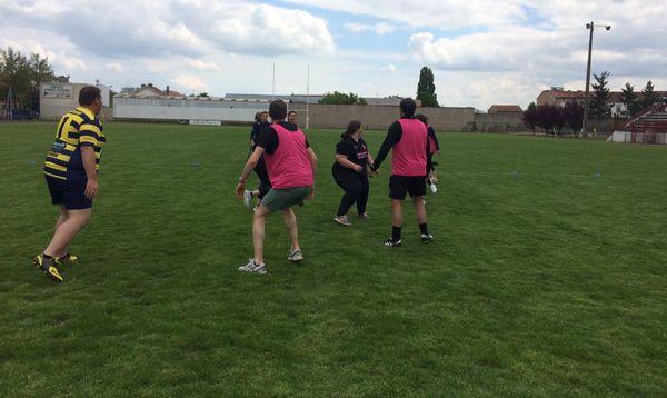 Les éducateurs du club de rugby de Nancy Seichamps ont été formés pour coacher les patientes du Chru de Nancy faisant partie de l'équipe les rubies.