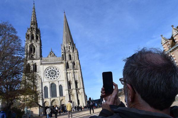 A quoi ressemblera le parvis de la cathédrale de Chartres si le projet aboutissait ?