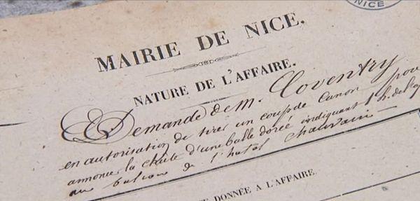 Sir Coventry demande à la maire de Nice l'autorisation de tirer un coup de canon.