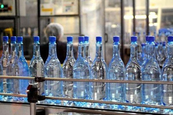 Près de 80 millions de bouteilles d'eau gazeuse sortent, chaque année de l'usine lozérienne de Quézac-Ispagnac.