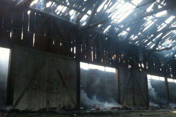 Le feu a pris dans un entrepôt désaffecté
