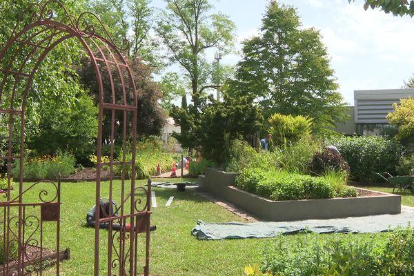 Le parc arboré du lycée agricole de Quetigny permet de voir l'évolution des méthodes d'horticulture et du métier de paysagiste.