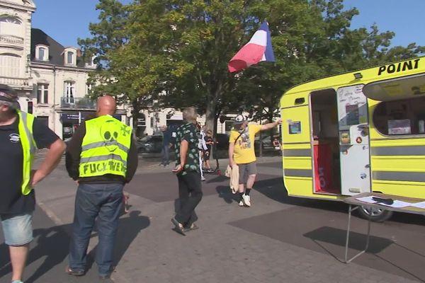 Une dizaine de Gilets Jaunes s'était rassemblée ce samedi matin 12 septembre à Châtellerault.