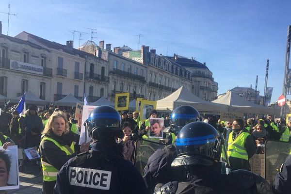 Des incidents ont émaillé les manifestations des gilets jaunes à Montpellier. Les forces de l'ordre ont dispersé les manifestants à l'aide de gaz lacrymogènes