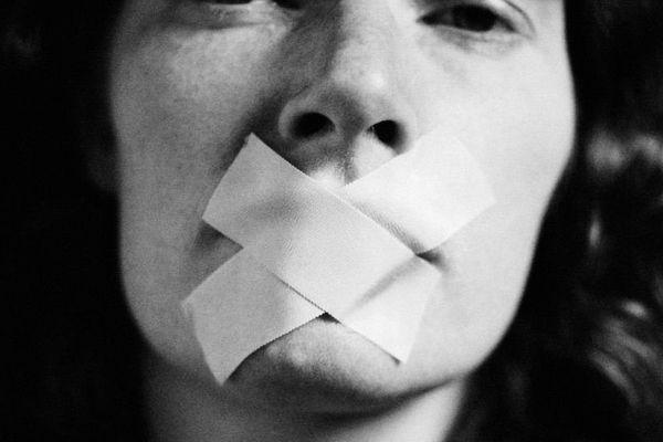 16% seulement des femmes battues portent plainte.