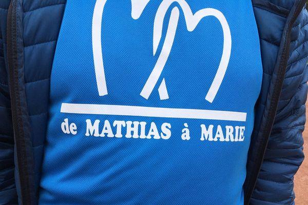 Les marcheurs portaient ce dimanche le T-shirt souvenir, en hommage aux deux jeunes gens.