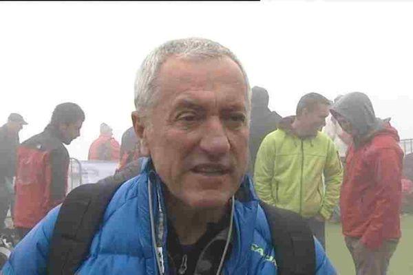 Pierre Naville interviewé par France 3 en mai 2012 à l'occasion du report de la coupe du monde de parapente
