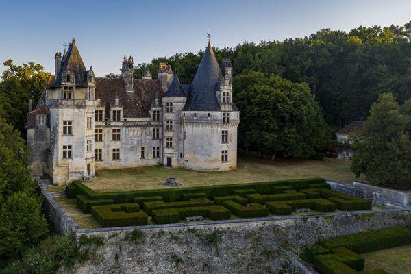 Le chateau de Puyguilhem a été photographié par le drone de Jocelyn de Lagasnerie.
