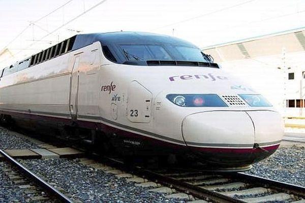 Un TGV espagnol Barcelone-Paris - RENFE