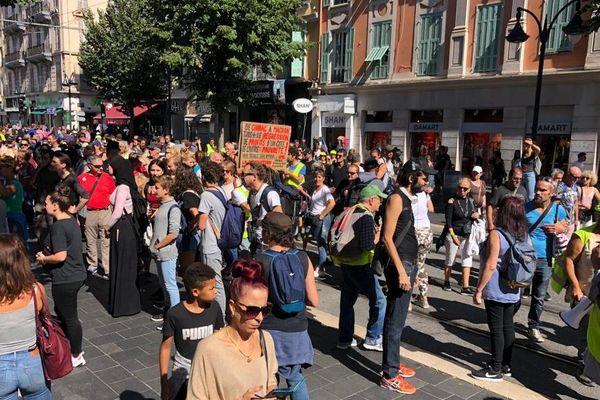 Manifestants gilets jaunes sur Jean médecin le samedi 28 septembre