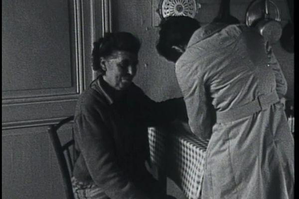 Une consultation médicale à la campagne en 1968
