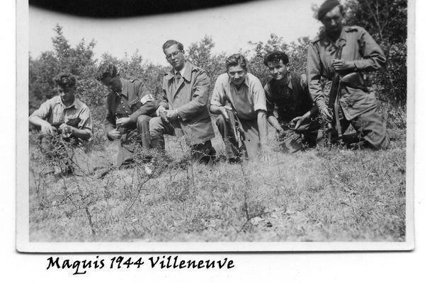Une des photos que la famille de Jean Pinot (troisième en partant de la gauche) n'avait jamais vu avant