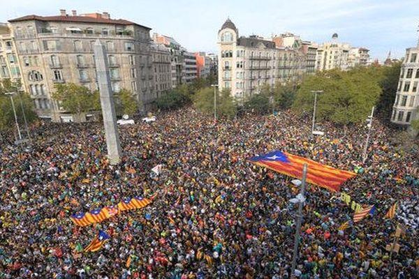 Barcelone (Espagne) - manifestation contre les peines de prison ferme annoncées par la cour suprême de Madrid contre 9 indépendantistes - 18 octobre 2019.