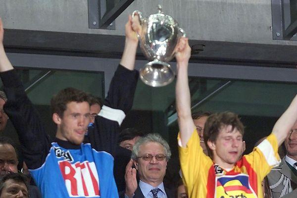 Landreau et Becque soulève tous les deux la Coupe de France 2000
