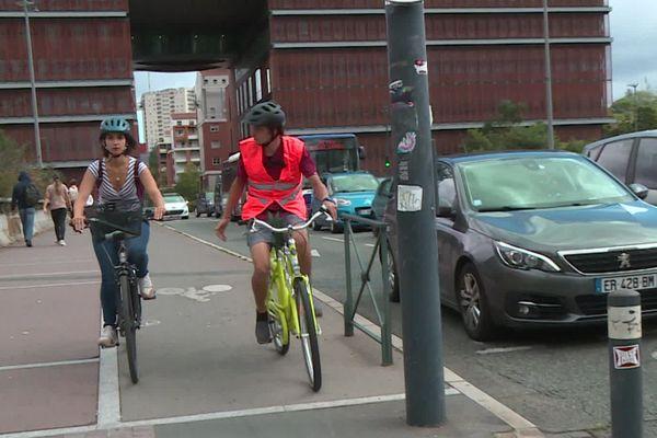 Une aide de l'Etat est proposée pour ceux qui veulent apprendre à pédaler au milieu du trafic urbain.