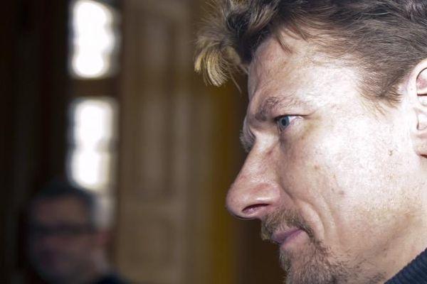 Installé dans la banlieue bordelaise, Tony Vairelles évite la cour d'assises