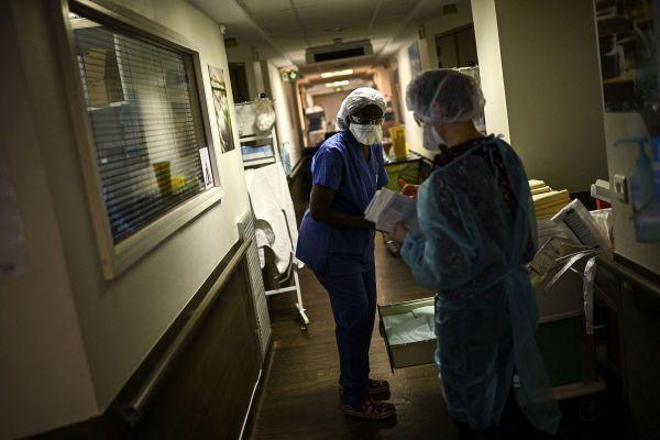 La crise du COVID 19 a mis en lumière les difficultés que les hôpitaux connaissent, y compris en Auvergne-Rhône-Alpes.